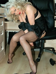 Office Boss Flashes Her Nylons^love Uniforms Nylon Pics Picture Free Gallery